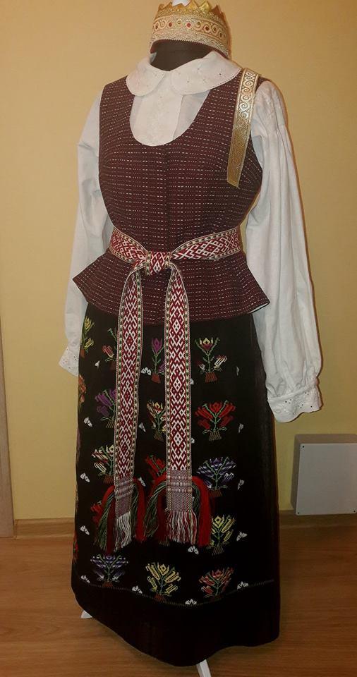 Suvalkietiškas tautinis kostiumas